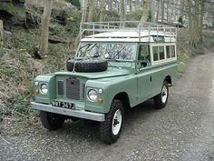 Garreth and Bonnie Sutton - Euerbach Germany - their 1971 Land Rover 109 - Series IIA - 3 door - undergoing restoration - The finished article Land Rover 88, Land Rover Series 3, Land Rover Defender, Tata Motors, Jeep Willys, Landrover Serie, Best 4x4, Car Goals, Expedition Vehicle