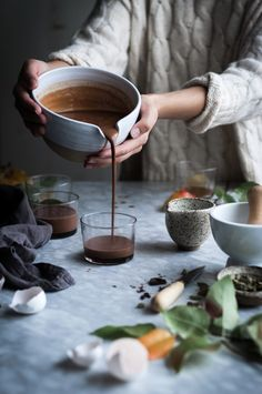 Chocolate Cardamom Creme Caramel Chocolate Cardamom Creme Caramel from Kayley looks gorgeous! Creme Caramel, Chocolate Hazelnut, Chocolate Recipes, Köstliche Desserts, Dessert Recipes, Cookie Recipes, Dessert Simple, Good Food, Yummy Food