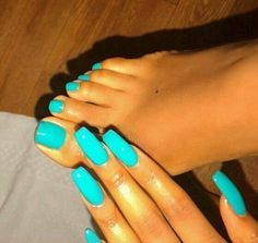summer gel nails which are stunning Fabulous Nails, Gorgeous Nails, Pretty Nails, Toe Nail Color, Nail Colors, Summer Gel Nails, Summer Nail Polish, Bright Summer Nails, Bright Nails