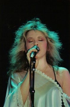 Stevie Nicks (`May American singer and songwriter (Fleetwood Mac). Lindsey Buckingham, Buckingham Nicks, Stephanie Lynn, Stevie Nicks Fleetwood Mac, Rock Legends, Female Singers, Her Music, Pretty People, Rock Bands