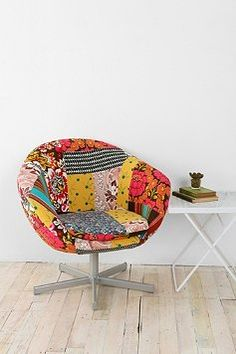 as suspicious as I am of the quality of Urban Outfitters, this patchwork quilt chair does look yummy