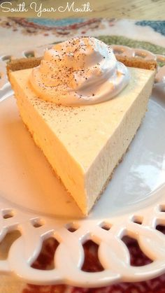 This super easy recipe uses real eggnog and sets up like a no-bake cheesecake. This is a must-have for your Christmas dessert table! Easy to make dairy free with dairy free eggnog and coco whip! Köstliche Desserts, Holiday Baking, Christmas Desserts, Christmas Baking, Delicious Desserts, Dessert Recipes, Christmas Parties, Christmas Treats, Snacks Recipes