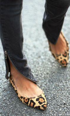 Pointed toe leopard print light flats fashion