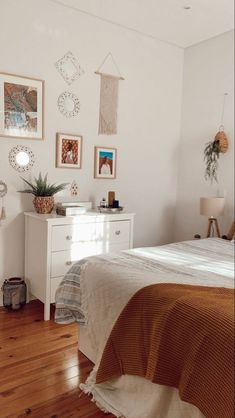 Room Ideas Bedroom, Small Room Bedroom, Home Bedroom, Bedroom Decor, Bedrooms, Bedroom Inspo, Aesthetic Room Decor, House Rooms, Room Inspiration