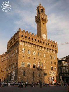 Palazzo Vecchio in Piazza della Signoria, #Firenze (#Italia - #Toscana).  http://www.europeosviajeros.com/italia/diario-toscana-2-florencia-desde-cielo/