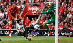 Rickie Lambert - Grande partida contra o United Rickie Lambert, Southampton Fc, Premier League, Soccer, The Unit, Football, Sports, Hs Football, Hs Football
