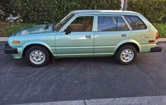 '81 Honda Civic Wagon. Not sure I've pinned a Honda before, but I love this.