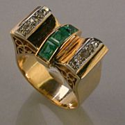 Retro diamond and emerald 18 k yellow gold ring