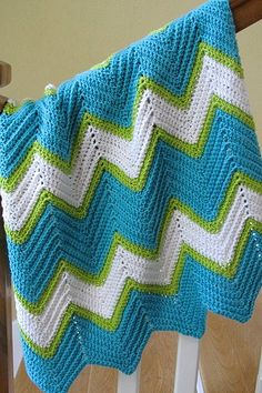 Thank goodness Nikki can crochet! Love this chevron blanket :) Chevron Crochet, Crochet Ripple, Baby Afghan Crochet, Crochet Quilt, Crochet Motif, Knit Crochet, Crochet Patterns, Crochet Ideas, Chevron Baby Blankets