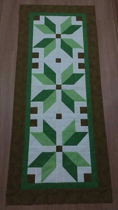 Quilt Size Charts, Quilt Sizes, Table Runner And Placemats, Table Runner Pattern, Quilting Ideas, Quilting Projects, Tablerunners, Table Toppers, Tablecloths