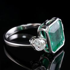 Art Deco Emerald Diamond Platinum Ring 8ct Emerald 1.20ct Diamond