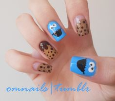 Cookie Monster nail art | One of my awesome followers asked for a Cookie Monster nail art and I liked the idea so there it is! Hope you cookie lovers like it!!! xoxo