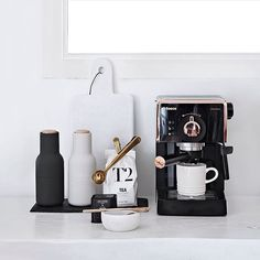 Well...if this is not a good enough reason for me to start drinking coffee, I don't know what is! A rose gold detailed coffee machine .....looking mighty fine alongside our #menuworld #bottlegrinders in the kitchen of the gorgeous @onlydecolove (free shipping on bottle grinders).