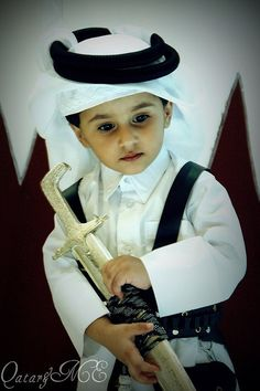 Father, defend the children of Qatar with your Sword, which is the Word of God. Precious Children, Beautiful Children, Beautiful Babies, Cute Babies Photography, Children Photography, Baby Boy Photos, Baby Pictures, Cute Little Baby, Little Babies