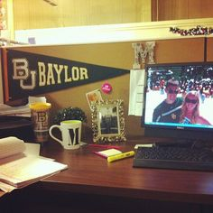 Somebody's ready for #Baylor gameday -- even at work! #SicEm (via mellerbee on Instagram)