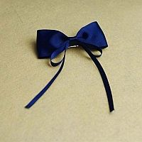 Make bow hair clips for kids