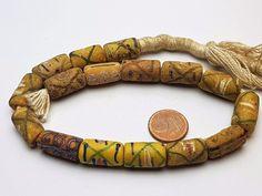 Antike venezianische Millefiori trade beads. Jede Perle ist ein handgefertigtes Unikat welche in Form und Größe leicht variieren kann. Alter der Perlen um 1900. Sie erhalten die abgebildeten Perlen. | eBay!