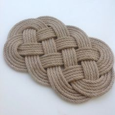 The coaster is handmade from 6 mm jute rope. Length approx. 26 cm / 10.5 inches Width approx. 16.5 cm / 6.5 inch
