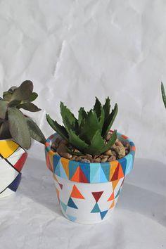 Flower Pot Art, Flower Pot Design, Flower Pot Crafts, Painted Plant Pots, Painted Flower Pots, Pottery Painting Designs, Pottery Designs, Cactus Y Suculentas, Aquafaba
