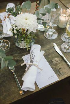Inspiration für die Tischdekoration zum 30. Geburtstag! Blue Wedding, Summer Wedding, Wedding Flowers, Wedding Stuff, Happy Flowers, Wedding Inspiration, Wedding Ideas, Brunch, Table Settings