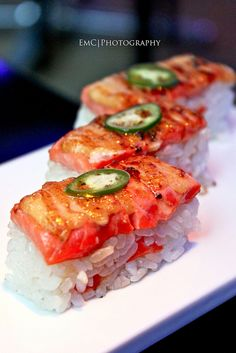 Aburi Salmon Oishi Sushi, for more sushi pics follow me here: @makesushiorg #food #salmon