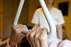 Mit einer bundesweiten Kampagne will die Dienstleistungsgewerkschaft Verdi bessere Arbeitsbedingungen für das Pflegepersonal in Kliniken erreichen. Die Situation auf den Stationen sei mittlerweile so bedenklich, dass das auch auf die Versorgung der Patienten durchschlage, sagte ein Verdi-Sprecher am Dienstag.