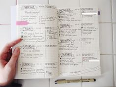 I'm a blogger + freelance writer + traveler so keeping everything in order is an ongoing struggle! Here's a weekly-ish layout I use after 3 months of bullet journaling to try and keep track of the million different writing projects I have due.