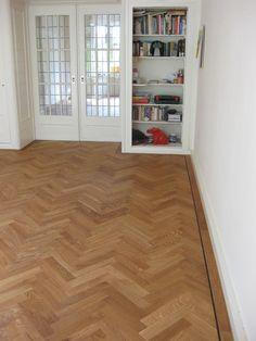 Klein visgraat parket Hardwood Floors, Flooring, My House, Sweet Home, New Homes, Interior Design, Mixed Emotions, Future, Home Decor