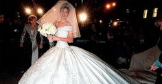 Mexican actress and singer Thalia arrives at the St. Patricks Cathedral before her marriage to Tommy Mottola December 2000 in New York City. Thalia, Wedding Looks, Bridal Looks, Tommy Mottola, Mexican Actress, Glamour, Royal Weddings, Princess Diana, Formal Dresses