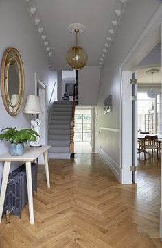 This is a large, double fronted Victorian house, built around 1890 and having recently undergone a complete renovation programme. Victorian Terrace Interior, 1930s House Interior, Modern Victorian Homes, Victorian House Interiors, Townhouse Interior, Victorian Living Room, Victorian Home Decor, Victorian Terrace Hallway, Modern Victorian Bedroom
