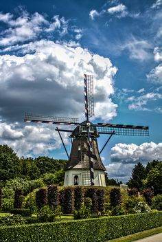 Dutch Windmill by Lennart Tange, via Flickr