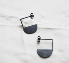 Black silver earrings Half circle earrings Geometric earrings Geometry inspired Modern earrings Minimal earrings Gift for design lovers Black Earrings, Pendant Earrings, Etsy Earrings, Moon Earrings, Contemporary Jewellery, Modern Jewelry, Unique Jewelry, Jewelry Design, Jewelry Ideas