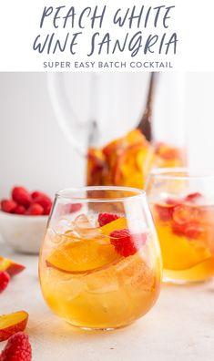 Peach Wine, White Wine Sangria, White Peach Sangria, White Wines, Sangria Pitcher, Pitcher Drinks, Peach Sangria Recipes, Cocktail Recipes, Margarita Recipes