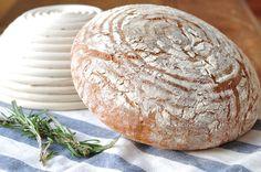 Quick rosemary bread for Easter | bitterbaker.com