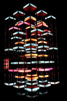 Lampe métal et LED Tour orthogonale – Gregorio Vardanega Corporate Design, Retail Design, Neon Lighting, Lighting Design, Luxury Lighting, Conception Scénique, Instalation Art, Photocollage, Scenic Design