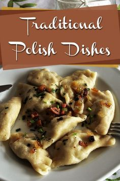 12 Traditional Polish Dishes Everyone Should Try - A guide on the kinds of food eaten in Poland from the main course to what Poles eat for dessert. Authentic Mexican Recipes, Mexican Food Recipes, Ethnic Recipes, Polish Food Recipes, Mexican Dinners, Polish Food Traditional, Poland Food, Lithuania Food, Eastern European Recipes