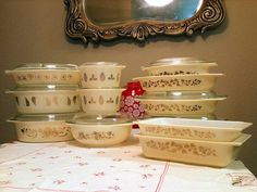 Vintage Pyrex in Various Golden Patterns :) I Love this collection!
