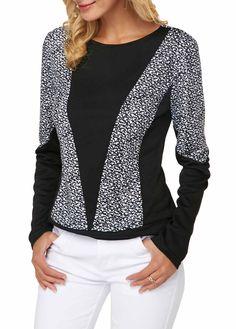 trendy tops for women online on sale Girls Dresses Sewing, Style Feminin, Hijab Fashionista, Sweater Set, Sweatshirt Dress, Dresses With Leggings, Printed Sweatshirts, Blouse Styles, Printed Blouse