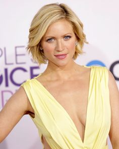 brittany-snow-people-s-choice-awards-2013-01.jpg 796×1,000 pixels