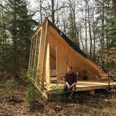 277393658285674592 / Small house / Prefab homes / Mini homes / Cabins in the woods / Modern tiny house Tiny Cabins, Tiny House Cabin, Tiny House Living, Tiny House Design, Cabin Homes, Small Tiny House, A Frame Cabin, A Frame House, Casa Patio