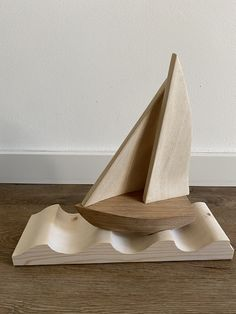 Calming Photos, Toys For Little Kids, Wood Games, Wood Worker, Wooden Boats, Wood Toys, Wood Art, Wood Projects, Sailing