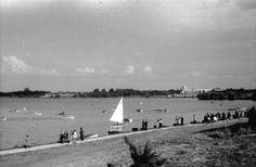 Bucuresti - Parcul Herastrau - 1942 Little Paris, Bucharest Romania, Photo Archive, Time Travel, Old Photos, Nostalgia, Memories, Country, Beach