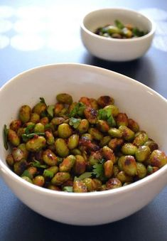 Thai-Spice-Crispy-Edamame-Recipe-The-Law-Students-WifeYou can find Thai spices and more on our website.Thai-Spice-Crispy-Edamame-Recipe-The-Law-Students-Wife Thai Appetizer, Appetizer Recipes, Healthy Snacks, Healthy Eating, Healthy Recipes, Tapas, Edamame Recipe, Law Students, Recipes