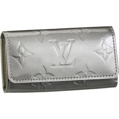 Louis Vuitton Outlet Monogram Vernis 4 Key Holder == Shop today for the hottest brands in womens fashion! Louis Vuitton Scarf, Louis Vuitton Wallet, Vuitton Bag, Louis Vuitton Handbags, Louis Vuitton Monogram, Louis Vuitton Collection, Michael Kors Outlet, Mk Bags, Christian Gifts