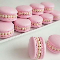 You Identify The Real Food?Can You Identify The Real Food? Beautiful macarons decoration ideas Get inspired! Credits golden-luxuryyy: Photo 10 Ideas for Lavender Macarons Gefällt Mal, 27 Kommentare - Monika Macaroon Recipes, Cupcake Recipes, Cookie Recipes, Cupcake Cakes, Dessert Recipes, Cupcakes, Cute Desserts, Delicious Desserts, Sweet Recipes