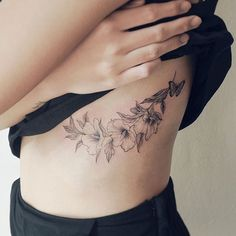 flower . From Malaysia . #tattoo#tattooist#tattooistsol#솔타투#lettering#soltattoo#color#colortattoo#꽃타투#flowertattoo#flower#꽃#equilattera #타투#솔타투#타투이스트솔#koreatattoo