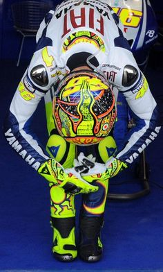 Valentino Rossi- Ready Set Go! Motogp Valentino Rossi, Valentino Rossi 46, Vale Rossi, Gp Moto, Course Automobile, Cycling Art, Super Bikes, Street Bikes, Road Racing
