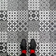 Venezia è anche tutti i pavimenti che ci perdiamo. Ci pensa Sebastian Erras.