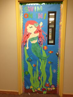 Under the Sea door-- my daughter would of loved this when she was little! Red heads are just too cute! I'll have to do this for next year!