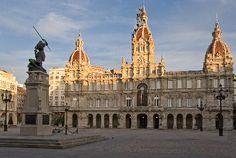 Coruña El Ayuntamiento en la Plaza de Maria Pita